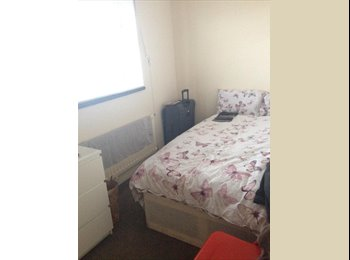 EasyRoommate UK - Beautfiul double room to let asap - Hillfields, Coventry - £300