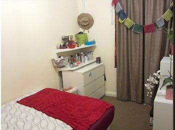 EasyRoommate UK - FANTASTIC DOUBLE BEDROOM IN ALDGATE EAST + HUGE TERRACE - Whitechapel, London - £600