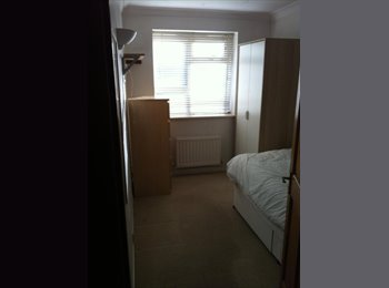 Nice and clean single room - ANERLEY