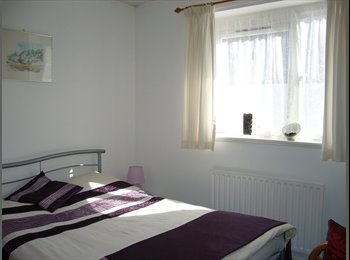 EasyRoommate UK - Cosy Warm Home in Battersea - Battersea, London - £750