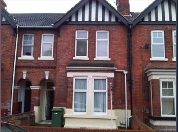 EasyRoommate UK - Room with own Shower and basin to let - Grimsby, Grimsby - £345