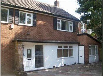 EasyRoommate UK - 4th Year Students need a Housemate! - Withington, Manchester - £368