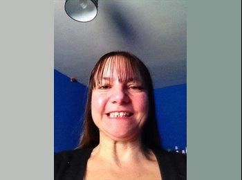 EasyRoommate UK - Heidi - 46 - Macclesfield