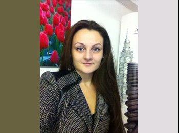 Anna - 30 - Professional