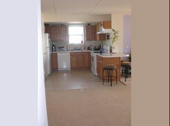 EasyRoommate US - Furnished Ocean Front Bedroom - Rockaway, New York City - $800
