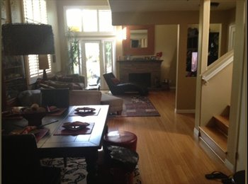 EasyRoommate US - Room Available, Great Location Close to Beach! - Costa Mesa, Orange County - $900