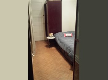 EasyRoommate US - Small converted Room for Rent - Quarto para Alugar - Astoria, New York City - $600