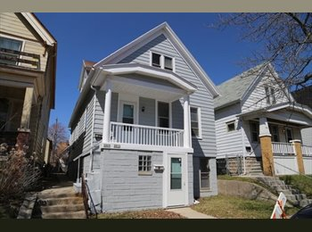 EasyRoommate US -  Room for rent in quiet & safe Riverwest - West Side, Milwaukee Area - $500