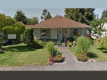 EasyRoommate US - Friendly, laid-back professional. Awesome house! - Everett, Everett - $700
