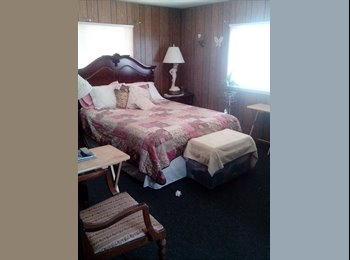 EasyRoommate US - Master Bedroom and bath for rent - Redding, Northern California - $450