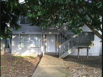 EasyRoommate US - 900sq ft unit in 4plex - Marysville, Seattle - $950