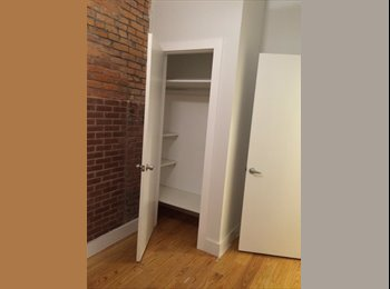 EasyRoommate US - 1000$ spacious apt, w/laundry and rooftop space - Bushwick, New York City - $1000