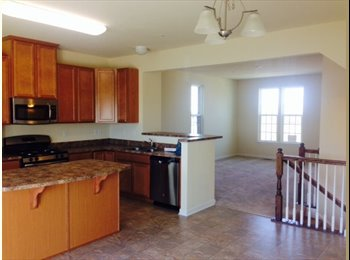 EasyRoommate US - Luxury Townhome - North Allegheny, Pittsburgh - $2000