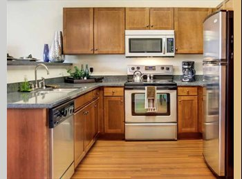 EasyRoommate US - $635 / 1272ft2 - Beautiful Townhome up for lease takeover @ special rate! (Denton - Arlington & Mid Cities, Arlington & Mid Cities - $675