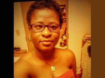 Marielle - 22 - Student