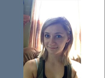 Charlotte  - 18 - Student