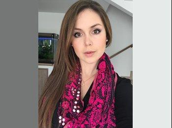 Maria Paula - 24 - Student