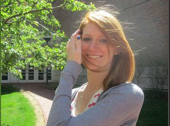 Brooke - 21 - Student