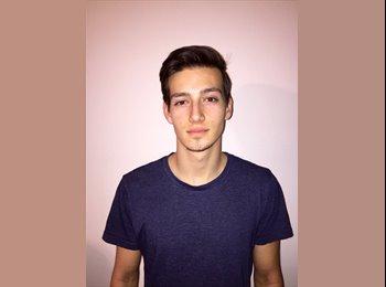 EasyRoommate US - Josh  - 19 - Springfield
