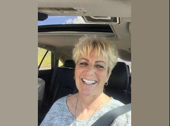 Cindy  - 55 - Professional