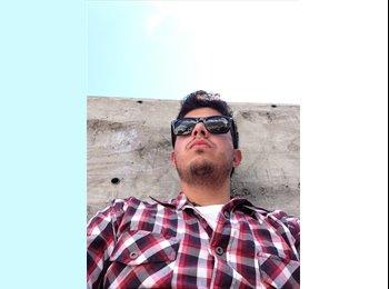 EasyRoommate US - Cesar  - 30 - Miami