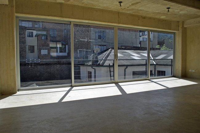 Apartamento 2 Habitaciones (60m2) en La Macarena - Zona Centro - Image 1
