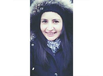 Nela - 21 - Student