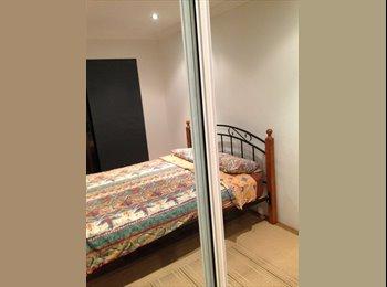 EasyRoommate AU - HOME SHARE - Room in Kirrawee ($220) - Kirrawee, Sydney - $220