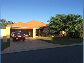 House 2 share, close to Freo, freeway and airport