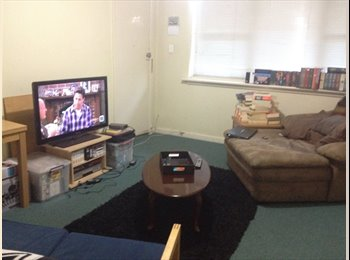 EasyRoommate AU - Unfurnished room in St Kilda - $750 per month - St Kilda, Melbourne - $174