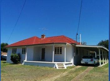 EasyRoommate AU - Laid Back Spacious Home in Sunnybank - Sunnybank, Brisbane - $160