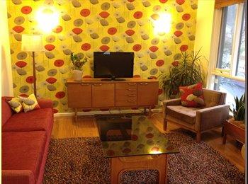 EasyRoommate AU - Bright, spacious Elwood apartment - Elwood, Melbourne - $205