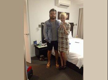 EasyRoommate AU - Llinos - 23 - Brisbane