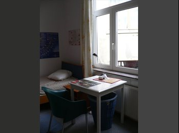 Appartager BE - Chambres Etudt(e)s, Stagiair(e)s1 Avril,,1 Juillet - Etterbeek, Bruxelles-Brussel - €415