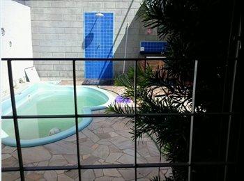EasyQuarto BR - Alugue mensal 3 quartos, 2 vagas, piscina hidro - Piracicaba, Piracicaba - R$800