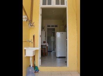EasyQuarto BR - Alugo Apartamento Anual Na Lagoa Trav das Rendeira - Lagoa da Conceição, Florianópolis - R$1000