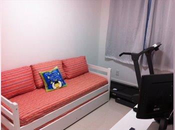 EasyQuarto BR - Apartamento espaçoso no miolo da Praia do Canto - Vitória, Vitória e Região Metropolitana - R$500