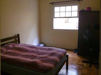 Apartamento legal pra dividir na rua dos Pinheiros