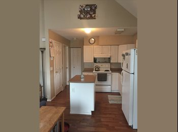 EasyRoommate CA - Downtown room for rent in carriage house - Kelowna, Thompson Okanagan - $700