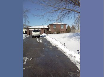 EasyRoommate CA - Country living on large lot, gardening and lawns - Hamilton, South West Ontario - $400