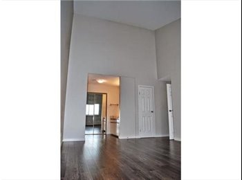 EasyRoommate CA - $950 | Master Bedr.+1/2Bath|Utilities+Laund. Incl - South West, Edmonton - $950