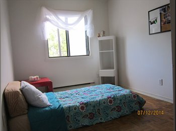 EasyRoommate CA - Hi there, I'm renting a room with all services inc - Villeray - Saint-Michel - Parc-Extension, Montréal - $400