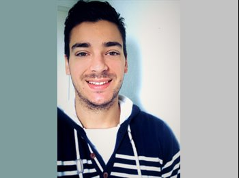 EasyRoommate CA - Anthony - 24 - Montréal