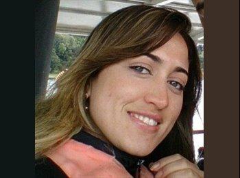 Fabiana - 30 - Profesional