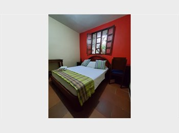 Habitaciones amobladas con baño privado y WIFI