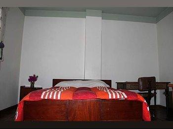 CompartoApto CO - Arriendo hermosa habitacion muy bien ubicada - Bogotá, Bogotá - COP$*