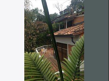 CompartoApto CO - Enorme casa Finca con habitaciones para alquiler - Zona Sur, Medellín - COP$*