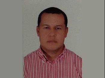 Omar  - 35 - Profesional