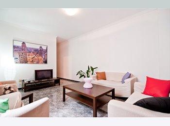 alquilo magnifico piso en en gran v1700€ 4habitaci