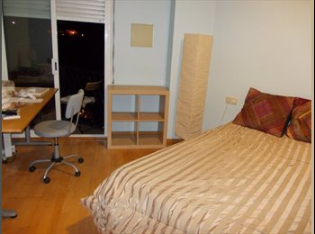 EasyPiso ES - Large Room With Private Balcony - Sarrià-Sant Gervasi, Barcelona - €400